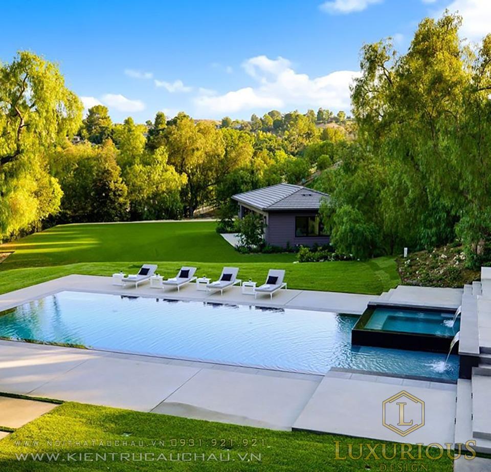 Biệt thự vườn 2 tầng mái thái có bể bơi