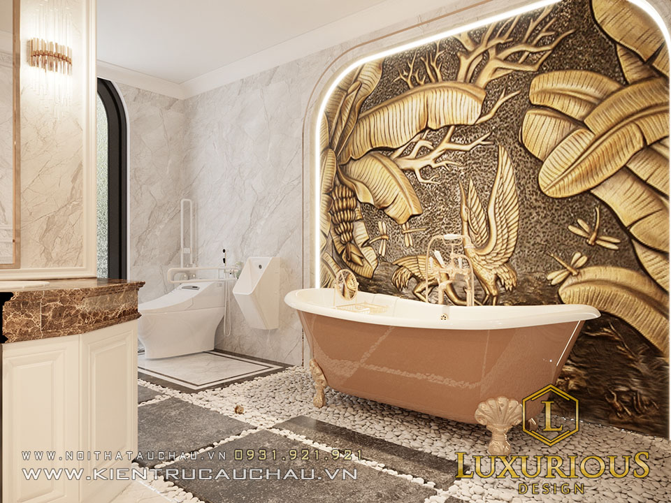 Phòng vệ sinh có bồn tắm tân cổ điển