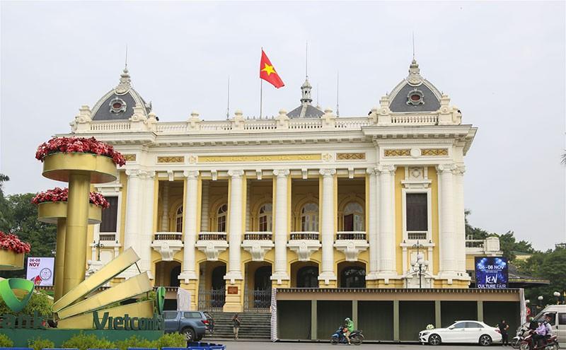 Nhà Hát Lớn Hà Nội - Dấu Ấn Kiến Trúc Pháp Ở Hà Nội
